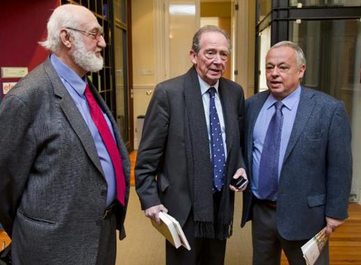 José Manuel Blecua (c), Gonzalo Santonja (d) y Gerardo Piña (i)