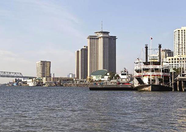 El caudal del río Misisipi en calma, en Nueva Orleans, Luisiana (EE.UU., 27/8/2012)