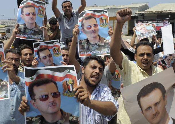 Sirios partidarios de Bashar Assad se manifiestan en Beirut (Líbano, 2011)