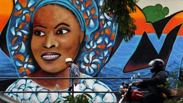 Vista de un mural en Ciudad de Panamá, sede de la Cumbre Iberoamericana. Foto: ©Archivo Efe/Alejandro Ernesto