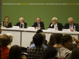 Integrantes de la Academia Mexicana de la Lengua y José Manuel Blecua, director de la RAE presentan una ponencia sobre el español.