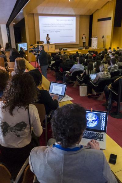 Xosé Castro y Judith González, durante  la conferencia. Foto: ©Agencia Efe/Rubén Francés