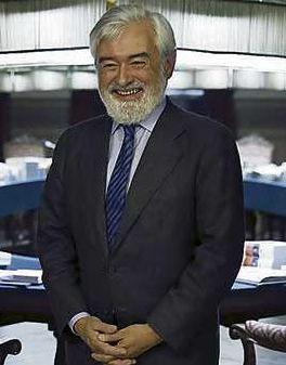 Darío Villanueva tras ser elegido director de la RAE. Foto: ©Efe
