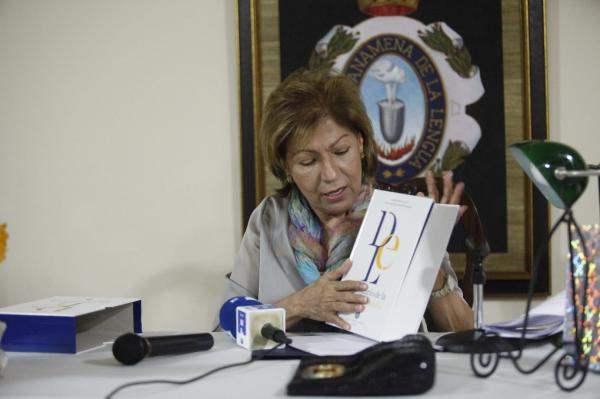 La directora de la Academia Panameña de la Lengua Española, Berna Pérez Ayala de Burrell.©Efe/Carlos Ibarra