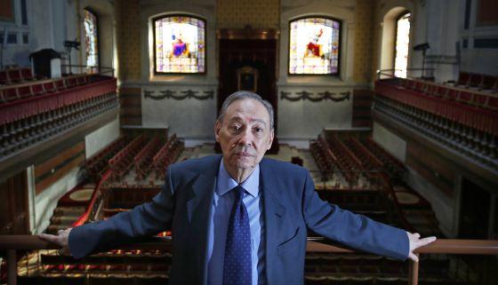 Humberto López, secretario general de la Asociación de Academias de la Lengua, en la sede de la RAE en Madrid. / CARLOS ROSILLO