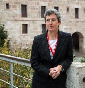 La responsable del departamento «El español al día» de la Real Academia Española (RAE), Elena Hernández, en San Millán de la Cogolla. Foto: ©Efe/Abel Alonso