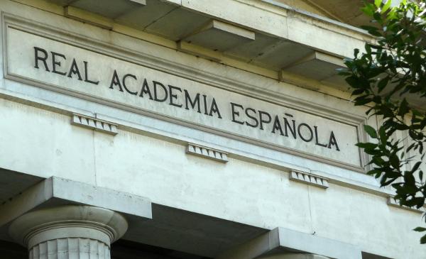 Real Academia Española», no «Real Academia de la Lengua»   Fundéu