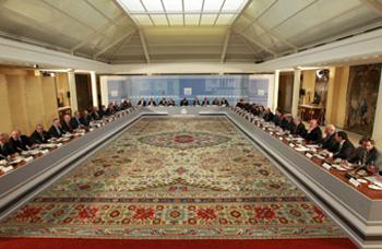 Reunión en el salón de columnas del Palacio de la Moncloa del presidente del Gobierno con los principales empresarios españoles (26/3/2011)