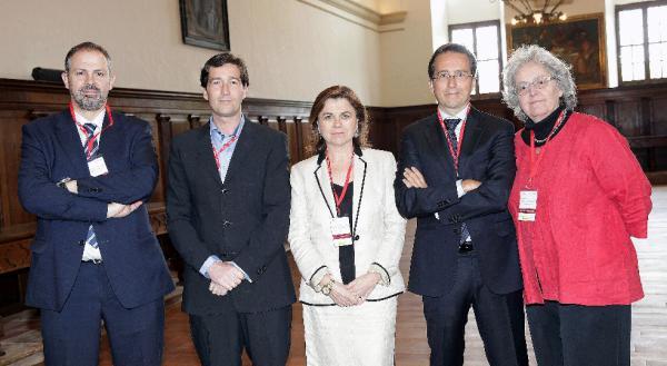Victor Márquez, José Carlos Díez, Lucía Méndez, José Ignacio Conde-Ruíz y Soledad Gallego-Díaz (de iz. a dr.) Foto: © Agencia Efe/Abel Alonso