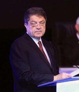 El escritor y expresidente nicaragüense, Sergio Ramírez, participa en el acto inaugural del congreso. Foto: Efe/Alejandro Bolívar