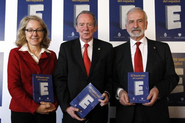 Ana Rosa Semprún, José Manuel Blecua y Salvador Gutiérrez, durante la presentación. Foto Efe/Fernando Alvarado