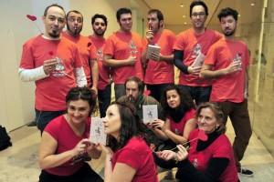 Miembros del Colectivo Satélite -Asociación de Ilustradores de Valladolid posan antes de la presentación del libro. Foto: EFE/NACHO GALLEGO