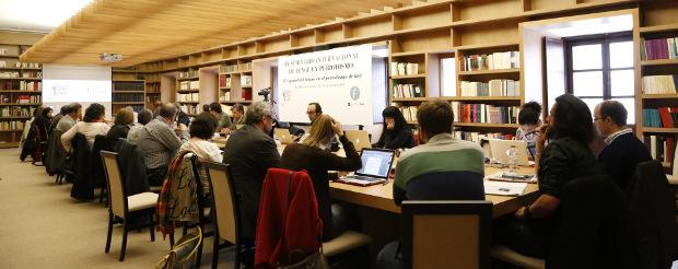 Mesa de tabajo en la biblioteca del Cilengua. Foto: ©Judith González