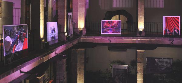 Vista general de la exposición fotográfica que celebra los 75 años de la Agencia Efe. Foto: © EFE/Mario Guzmán