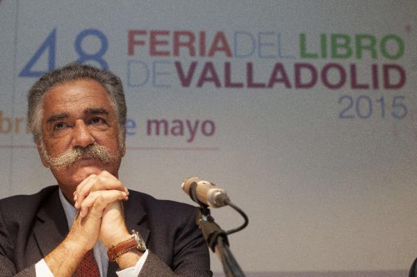 Alberto Gómez Font, en la 48 Feria del Libro de Valladolid. ©Efe/R. García
