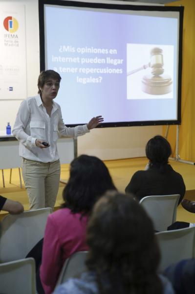 udith González Ferrán, de Fundéu BBVA, imparte el taller «Escribir en español, en Internet». Foto: ©Efe/Fernando Alvarado